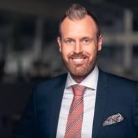 Mäklare Jonas Lindström, Notar
