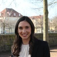 Mäklare Claudia  Carlin Hagel, Hallonqvist fastighetsbyrå AB