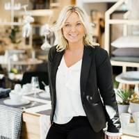 Mäklare Anna Lindberg, Fastighetsbyrån Skara