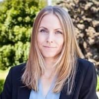 Mäklare Christine Berg, Fastighetsbyrån Tumba