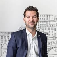 Mäklare Michel Warnie, Fastighetsbyrån Årsta