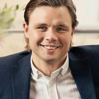 Mäklare Anton Andersson, Mäklarhuset Värnamo