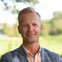 Mäklare Simon Andreassen, Svensk Fastighetsförmedling Kinna