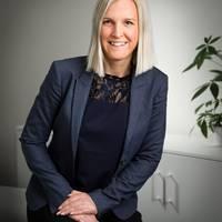 Mäklare Johanna Sjöström, Fastighetsbyrån Vänersborg