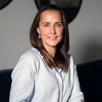 Mäklare Helen Rundqvist, Lavass Mäkleri