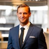 Mäklare Tim Hallin, Fastighetsbyrån Gävle