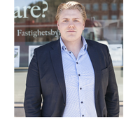Mäklare Sebastian Tyynelä, Fastighetsbyrån Tyresö