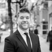 Mäklare Oliver Crawford, Svensk Fastighetsförmedling Sundbyberg