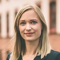 Mäklare Emelie Tolinsson, Lundin Fastighetsbyrå