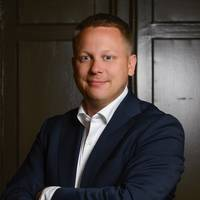 Mäklare Robin Gelinder, Mäklarfirman Widerlöv & Co AB