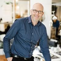 Mäklare Lars Johansson, Fastighetsbyrån Lidköping