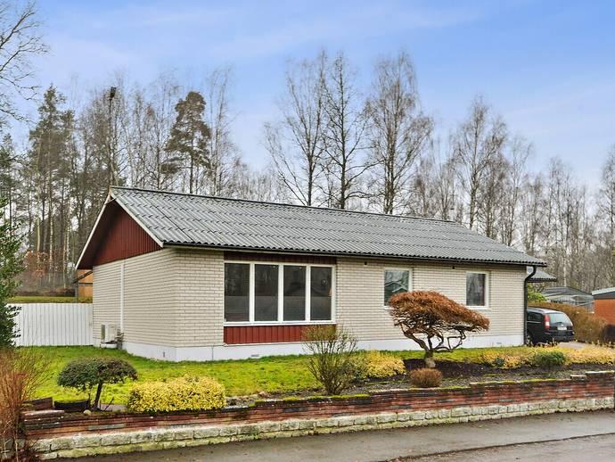 köpa hus i örkelljunga