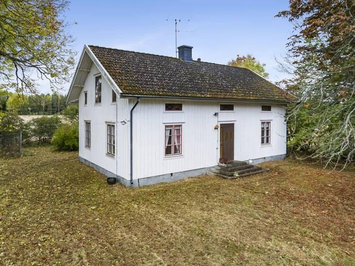 hus till salu sjötorp