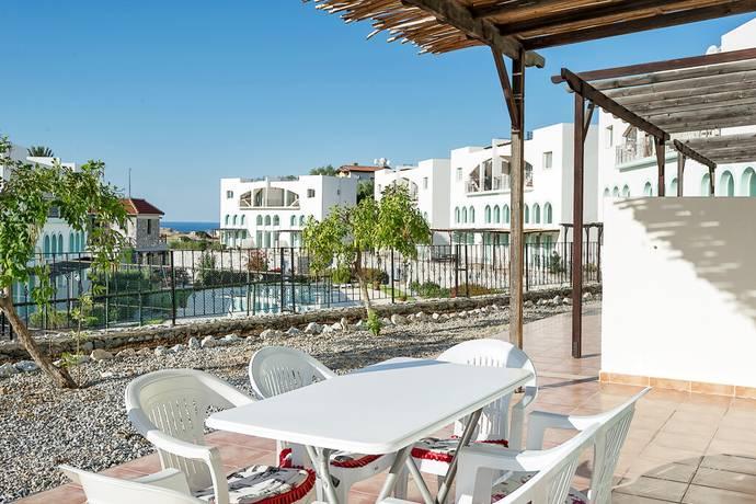 Bild: 3 rum bostadsrätt på Chrystal Bay Park markplan, Cypern Bahceli