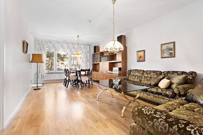 Bild: 3 rum bostadsrätt på Aprikosgatan 82, Stockholms kommun Hässelby Strand