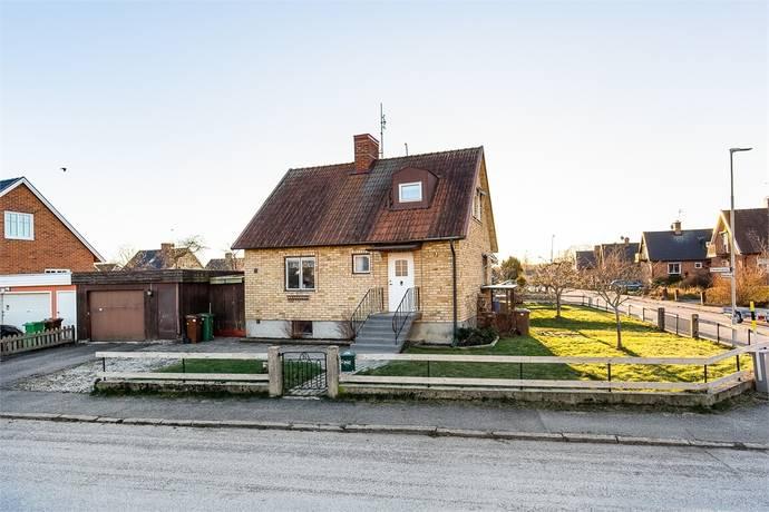 Bild: 5 rum villa på Färdemansgatan 71, Örebro kommun Nya Hjärsta