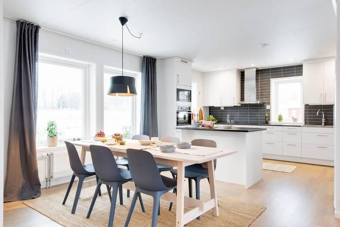 Bild: 5 rum villa på Fribergavägen 6A, Uppsala kommun Järlåsa