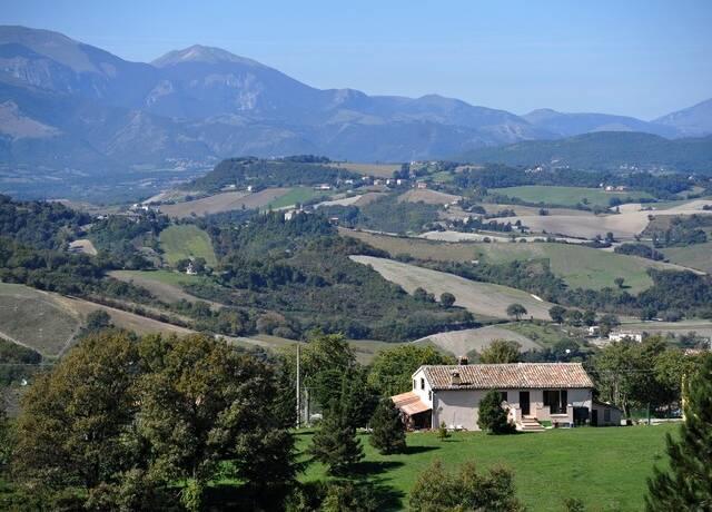 Bild: 6 rum villa på Piano di Rocchetta, Italien Marche