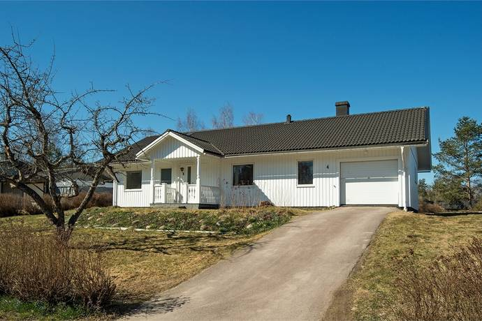 Bild: 4 rum villa på Vadmalsvägen 4, Arvika kommun Klässbol