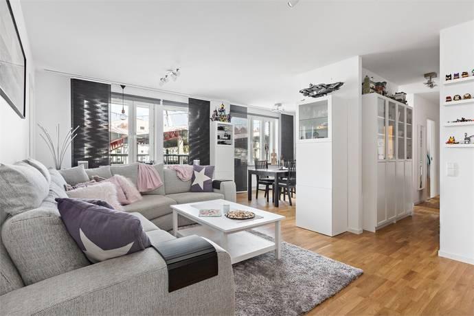 Bild: 4 rum bostadsrätt på Mäldgatan 4, Järfälla kommun Jakobsberg