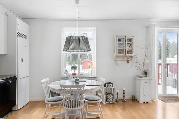 Bild: 3 rum bostadsrätt på Vallmovägen 14, Håbo kommun Bålsta - Viby äng