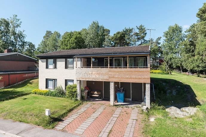 Bild: 7 rum villa på Örnvägen 2, Håbo kommun Bålsta - Västerdalen