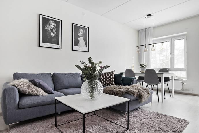Bild: 1,5 rum bostadsrätt på Fagerlidsvägen 9, Botkyrka kommun Tullinge Centrum