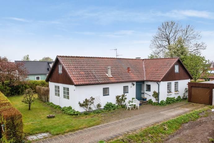 Bild: 7 rum villa på Halabacken 42, Eslövs kommun Väster