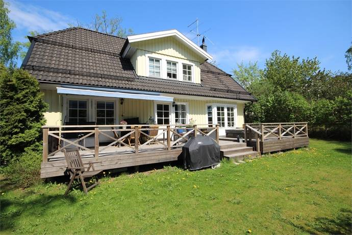 Bild: 7 rum villa på Sävsångarvägen 46, Nacka kommun Älta Kolarängen