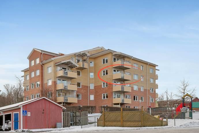 Bild: 2 rum bostadsrätt på SLUSSBROVÄGEN 4, Österåkers kommun Runö Backe