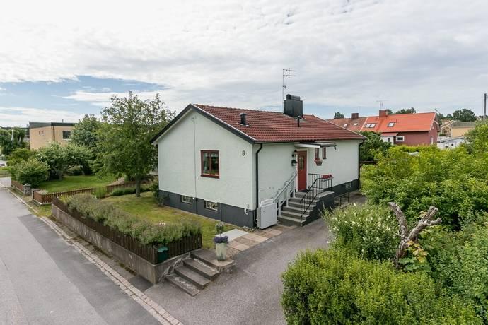 Bild: 4 rum villa på Rosenlundsgatan 8, Västerviks kommun Brevik