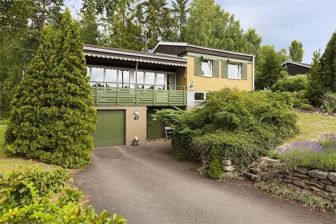 Bild: 6 rum villa på Fredrikslundsgatan 47, Nybro kommun Fredrikslund