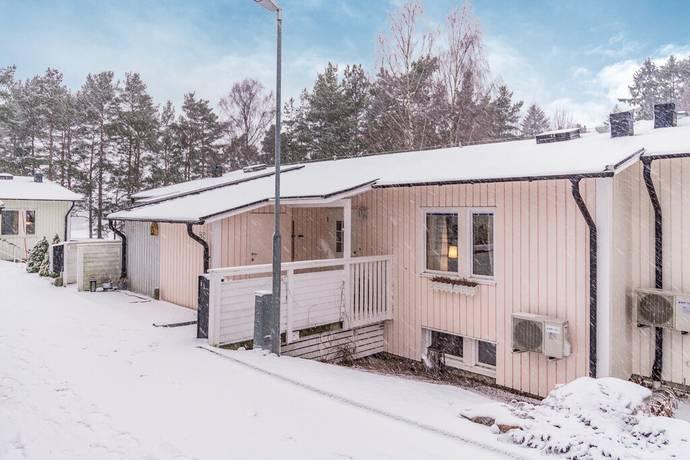 Bild: 4 rum radhus på Näsuddsvägen 15C, Oxelösunds kommun Danvikshagen