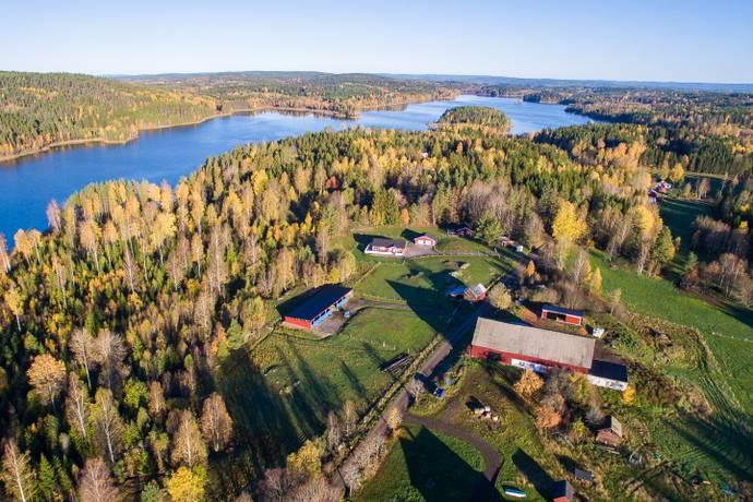 Bild: 4 rum gård/skog på Jonsbol Sjöhagen  , Grums kommun Värmskog