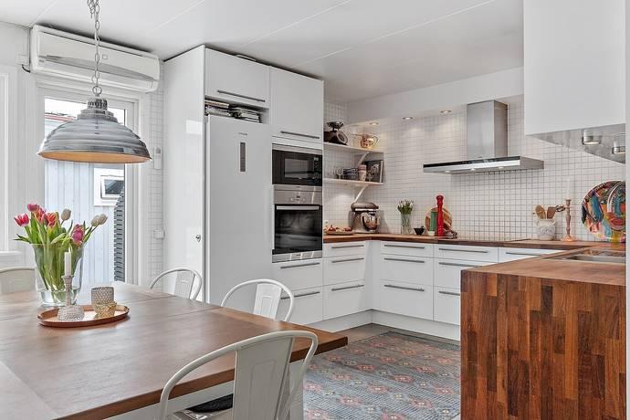 Bild: 6 rum villa på Tulpanvägen 120, Linköpings kommun LINGHEM