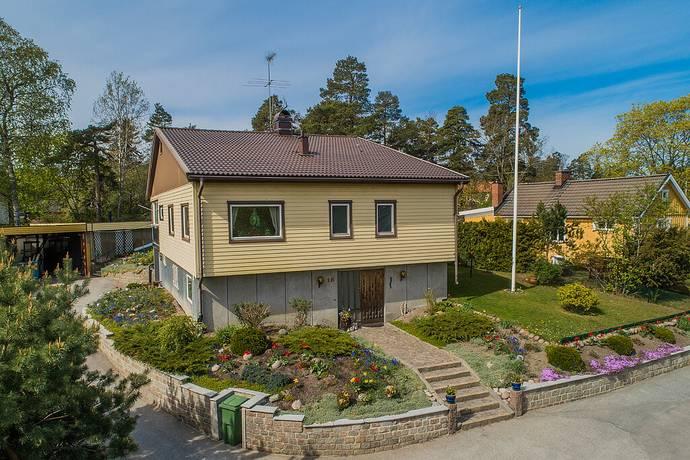 Bild: 6 rum villa på Skiffervägen 18, Huddinge kommun Stuvsta