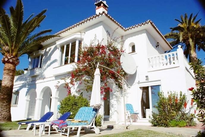 Bild: 4 rum villa på Fin villa med 3 sovrum i Elviria - Privat pool och trädgård!, Spanien Marbella - Elviria