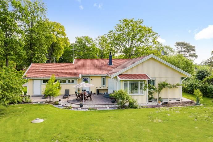 Bild: 6 rum villa på Holmtorpsvägen 5, Eskilstuna kommun Mälarbaden