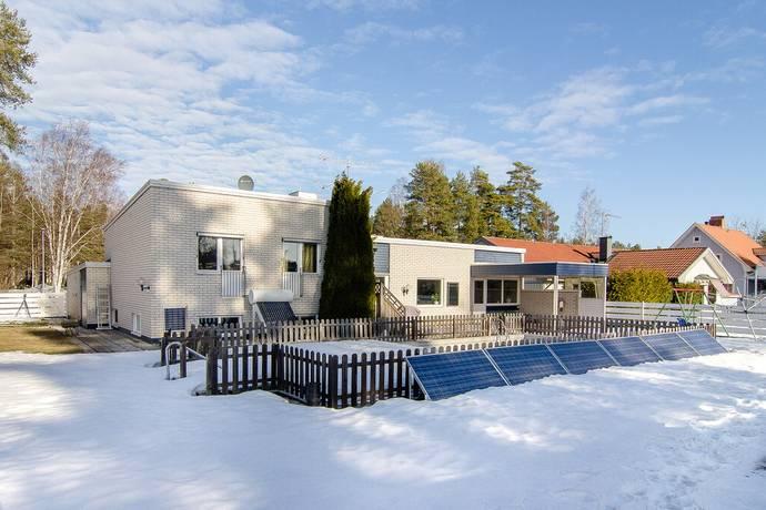 Bild: 7 rum villa på Skogsfruvägen 23, Sandvikens kommun
