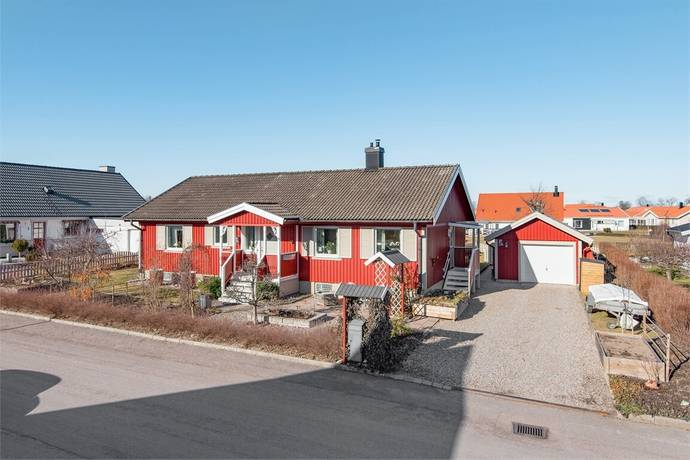 Bild: 4 rum villa på Klarbärsstigen 9, Mjölby kommun Mantorp - Veta