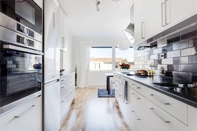 Bild: 3 rum bostadsrätt på Hjortronvägen 37, Upplands-Bro kommun Kungsängen - Tibble