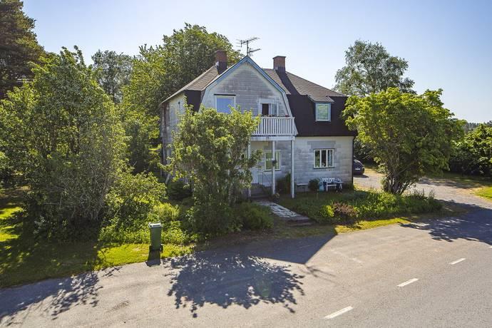 Bild: 8 rum villa på Berg Gamla Affären, Säffle kommun SÄFFLE