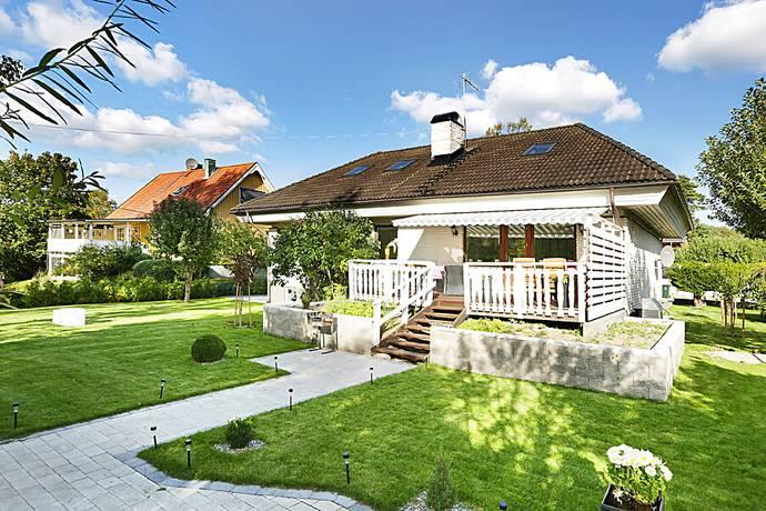 Bild: 8 rum villa på Sätterstavägen 34, Stockholms kommun Örby