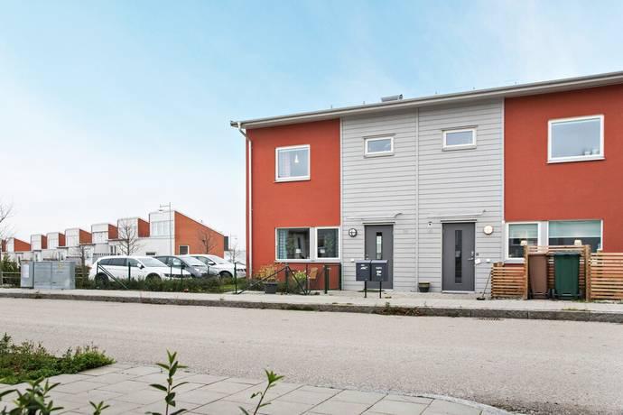 Bild: 4 rum radhus på Väderleksvägen 16, Ystads kommun Västra Sjöstaden