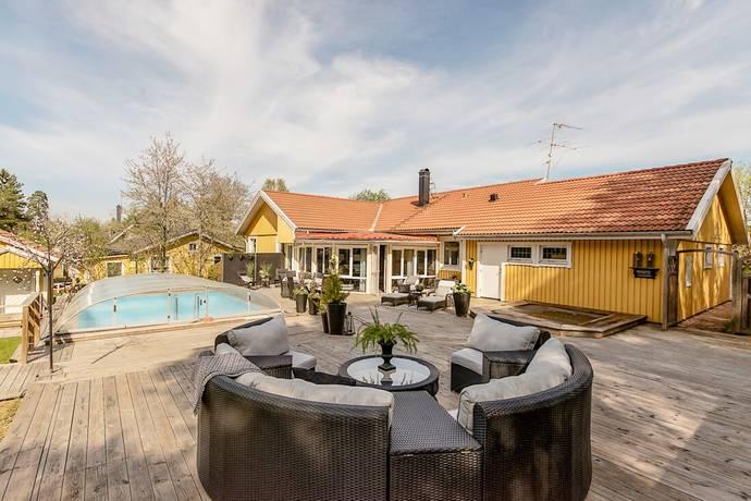 Bild: 6 rum villa på Gustav Trolles Väg 1, Järfälla kommun Stäket