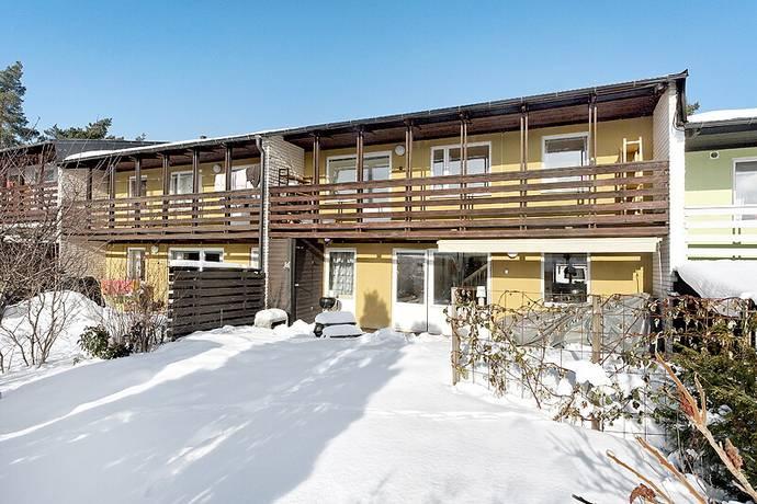 Bild: 6 rum radhus på HÖJDVÄGEN 63, Vallentuna kommun Rickeby