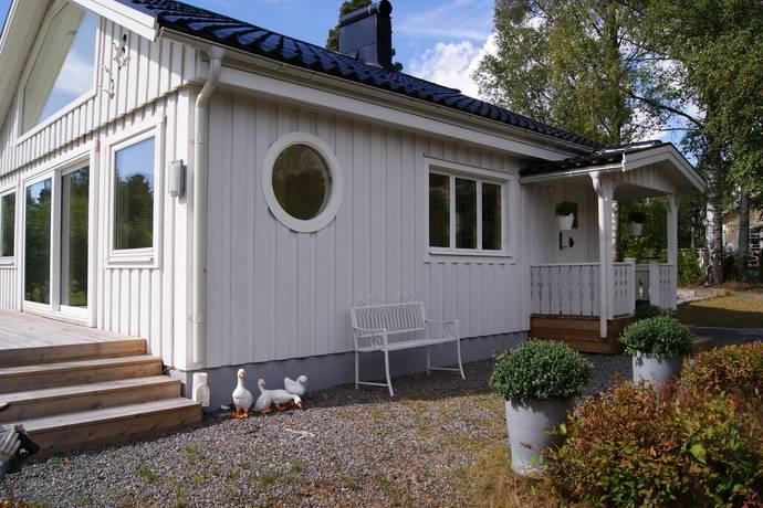 Bild: 4 rum fritidshus på Östra parkvägen 21, Haninge kommun Årsta Havsbad