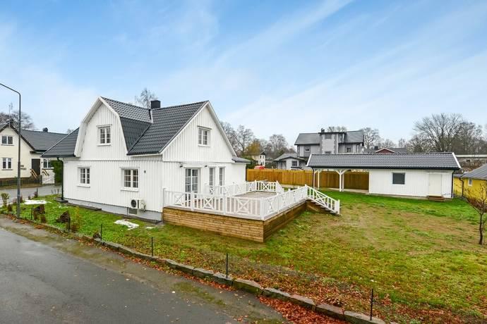 Bild: 5 rum villa på Ringvägen 42, Hässleholms kommun Bjärnum