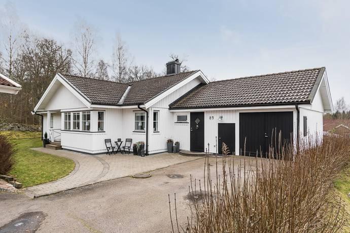 Bild: 6 rum villa på Blommagårdsvägen 89, Alvesta kommun Öster