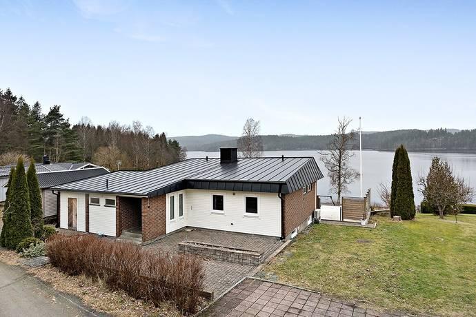 Bild: 6 rum villa på Sjövägen 6, Hägnen, Marks kommun Hällingsjö